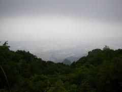 塩田平の眺め(曇っていましたが、長野大学が見えました)