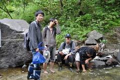 8月27日 カムイワッカの滝につかる