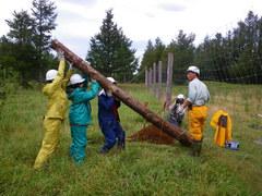 8月28日 シカ柵の杭を立てる