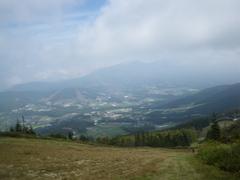 大松山から眺める菅平高原と根子岳