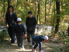 髙藤雅光さんと上野徹さんも子供たちと一緒に遊びました。