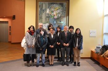 中村学長と宮澤さん(中央)学会に参加した社会福祉学部の皆さん
