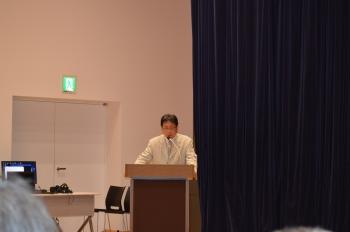 小諸ゆかりの人物などについて講演する舟田事務局長