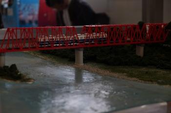 千曲川橋梁と別所線で運行されている7200系の車両(ジオラマ模型の主要部)