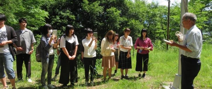 地域課題を探求する学生たち