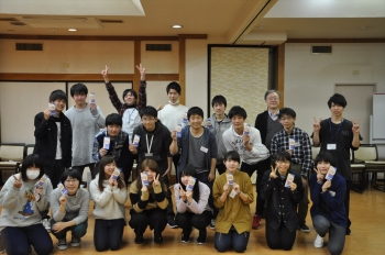 学生の集合写真、4月