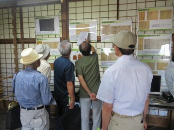 藤本蚕業歴史館の展示室